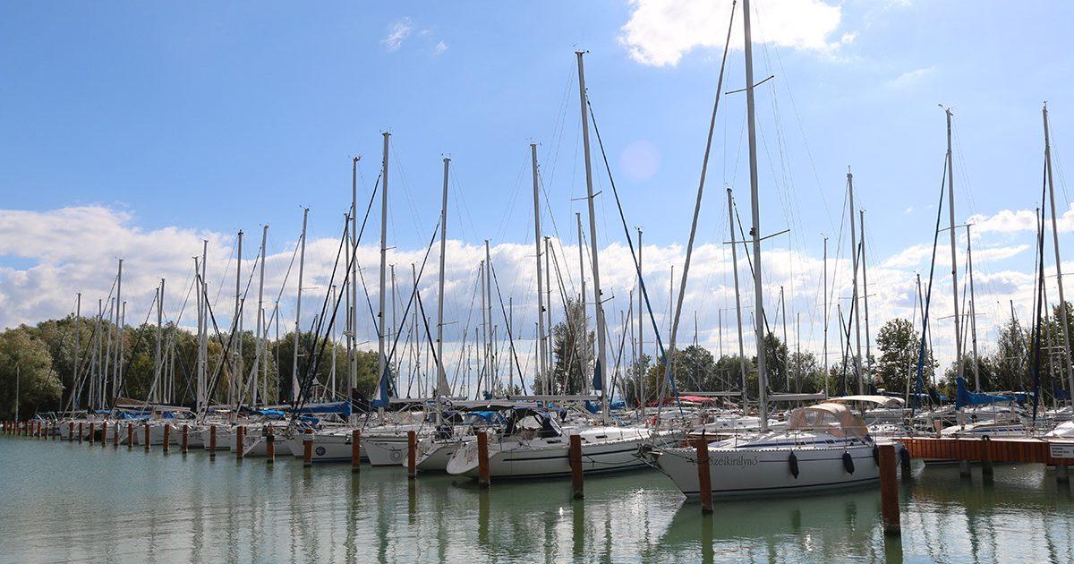 Balatonfűzfői kikötő és resort fejlesztés